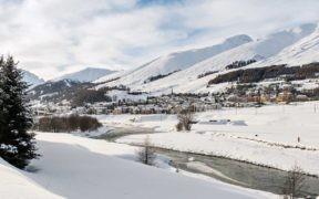 Zuoz, Oberengadin, Engadin, Graubünden, Alpen, Chaschaunapass, romantisch, Kulturerbe, Superior Hotel Castell, Kunst, Arvenholz, Tradition, Moderne, Wein,
