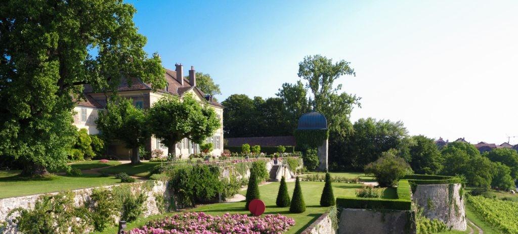 Château Vullierens: Blühende Irispracht und traumhafte Schlossgärten ...